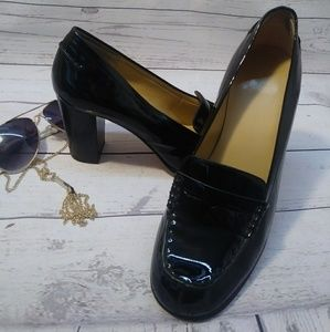 Michael kors shoes with black heel size 9 used